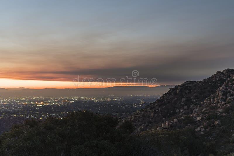 Πρωί ουρανού πυρκαγιάς του Λος Άντζελες στοκ εικόνες
