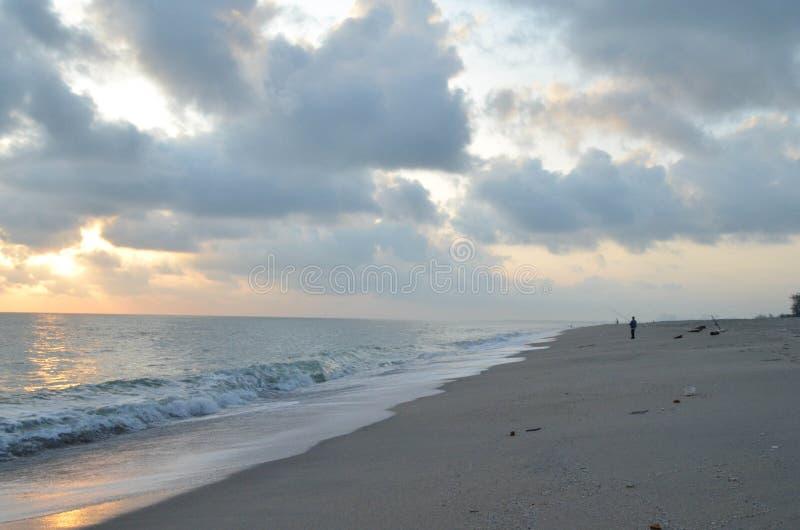 Πρωί στην παραλία στοκ φωτογραφίες με δικαίωμα ελεύθερης χρήσης