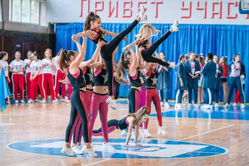 Πρωτάθλημα της πόλης Kamenskoye μεταξύ των solos, τα ντουέτα και τις ομάδες στοκ φωτογραφίες