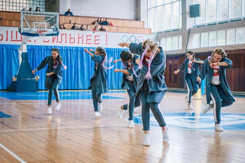 Πρωτάθλημα της πόλης Kamenskoye μεταξύ των solos, τα ντουέτα και τις ομάδες στοκ φωτογραφία