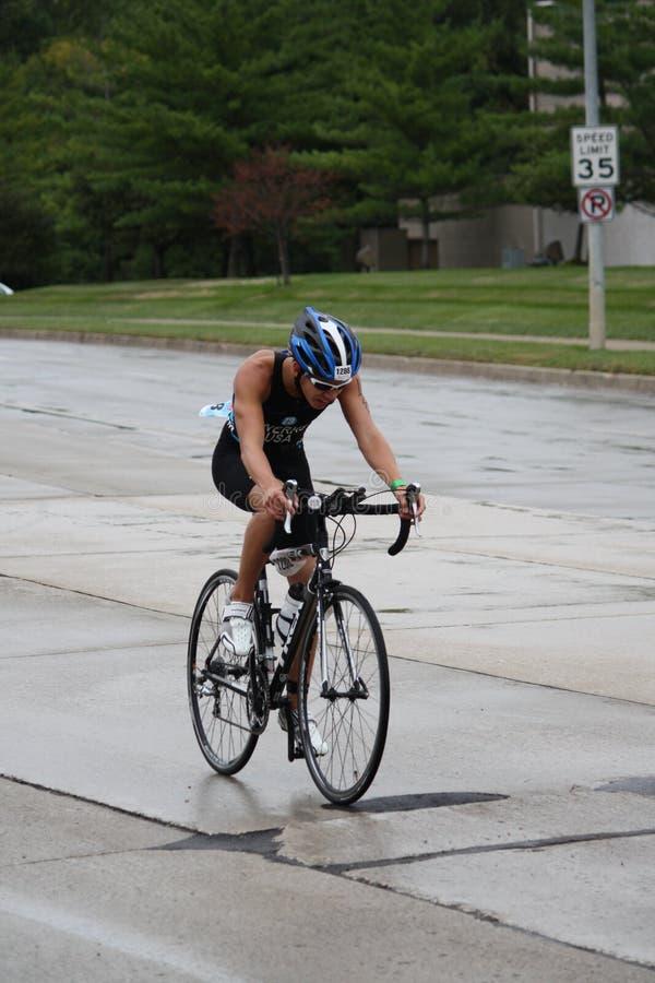 πρωτάθλημα του 2011 ironkids triathlon εμεί&sigm στοκ εικόνες