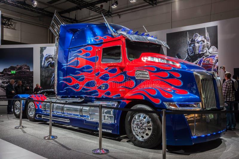 Πρωταρχικό φορτηγό μετασχηματιστών Optimus στοκ φωτογραφία