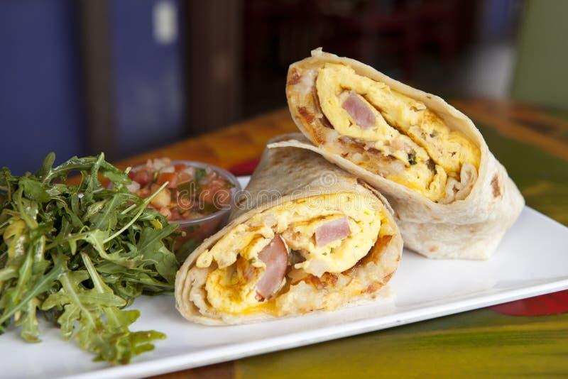 Πρόγευμα Burrito ζαμπόν και τυριών στοκ εικόνες
