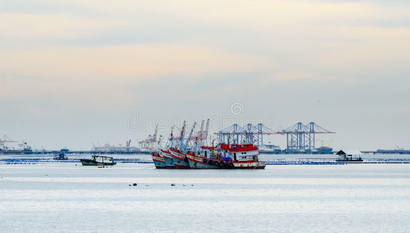 Πρόσδεση αλιευτικών σκαφών εν πλω στοκ φωτογραφίες με δικαίωμα ελεύθερης χρήσης