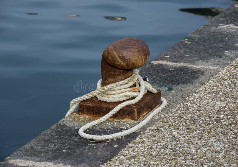 Πρόσδεση με το σχοινί στοκ φωτογραφία