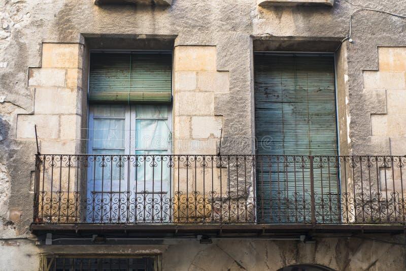 Πρόσοψη ενός σπιτιού με το μπαλκόνι στοκ φωτογραφία με δικαίωμα ελεύθερης χρήσης