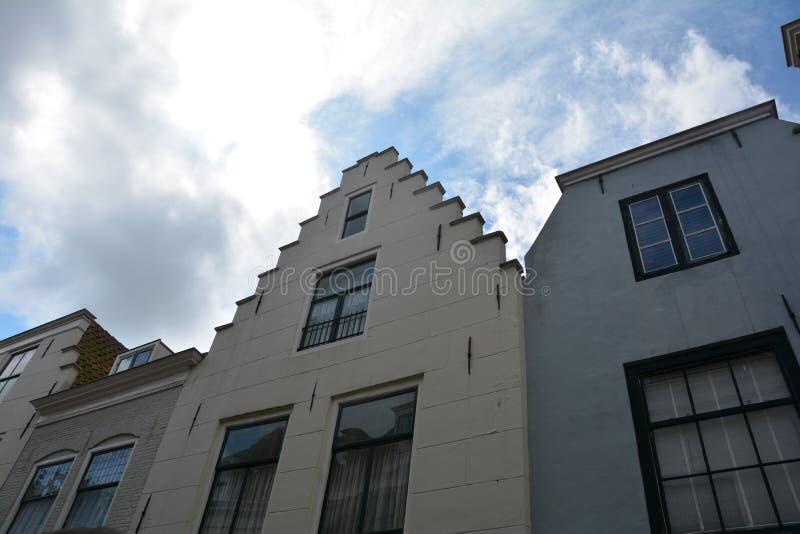 Πρόσοψη σπιτιών στην παλαιά πόλη Middelburg στις Κάτω Χώρες στοκ φωτογραφίες