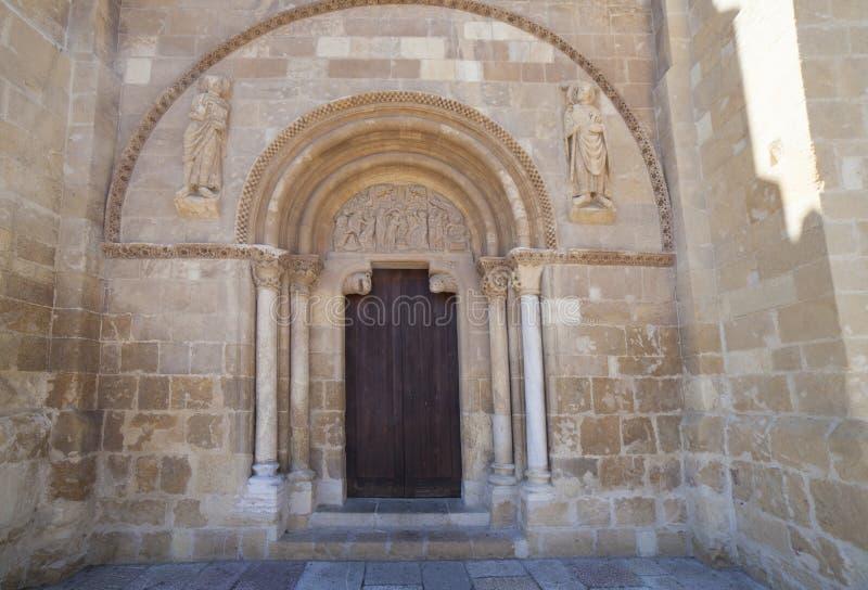 Πρόσοψη της βασιλικής SAN Ισίδωρος de Leon, Ισπανία στοκ εικόνα με δικαίωμα ελεύθερης χρήσης
