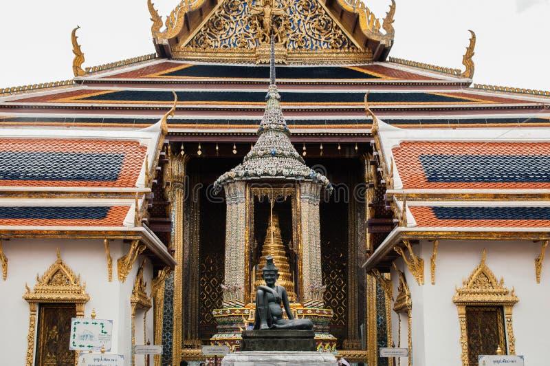 Πρόσοψη της κύριας αίθουσας Wat Phra Kaew - σμαραγδένιο BA ναών του Βούδα στοκ φωτογραφίες με δικαίωμα ελεύθερης χρήσης
