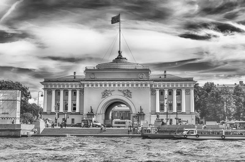 Πρόσοψη του κτηρίου ναυαρχείου, Αγία Πετρούπολη, Ρωσία στοκ φωτογραφίες