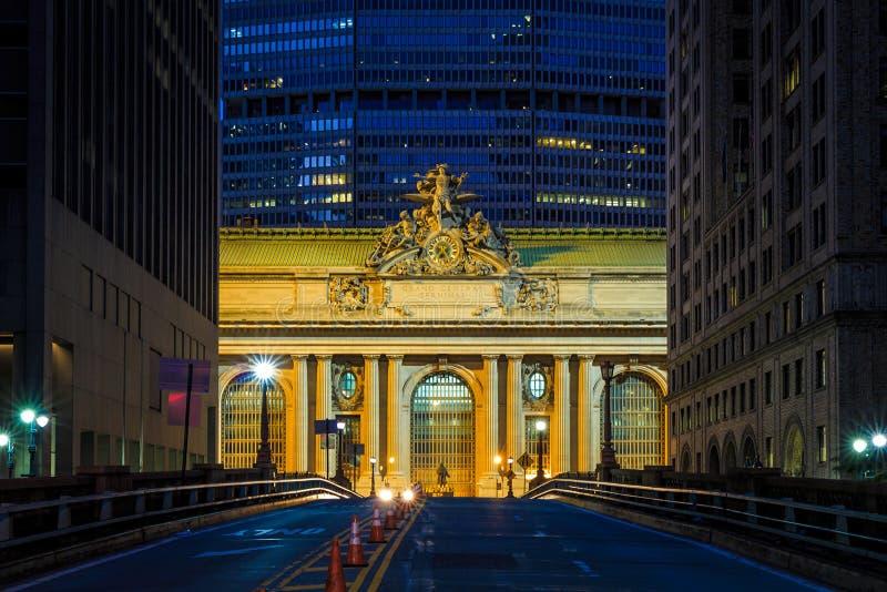 Πρόσοψη του μεγάλου κεντρικού τερματικού στο λυκόφως στη Νέα Υόρκη στοκ εικόνα
