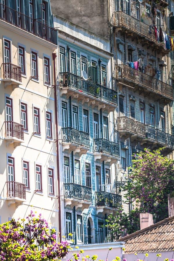 Πρόσοψη του παλαιού σπιτιού στην περιοχή Alfama, Λισσαβώνα στοκ φωτογραφία με δικαίωμα ελεύθερης χρήσης