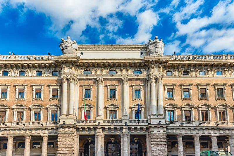 Πρόσοψη Galleria Alberto Sordi στη Ρώμη, Ιταλία στοκ εικόνα με δικαίωμα ελεύθερης χρήσης