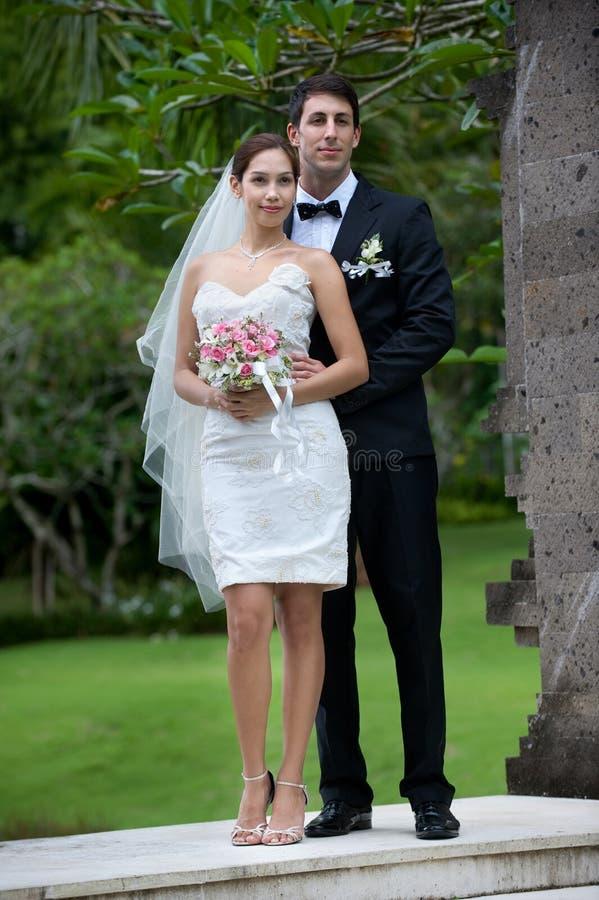 Πρόσφατα ζεύγος Wed στοκ εικόνα με δικαίωμα ελεύθερης χρήσης