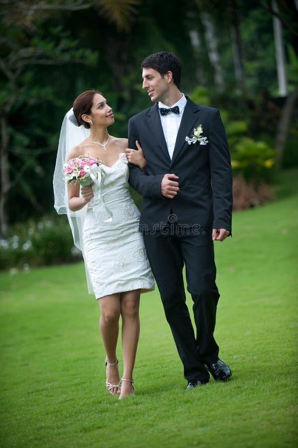 Πρόσφατα ζεύγος Wed στοκ φωτογραφία