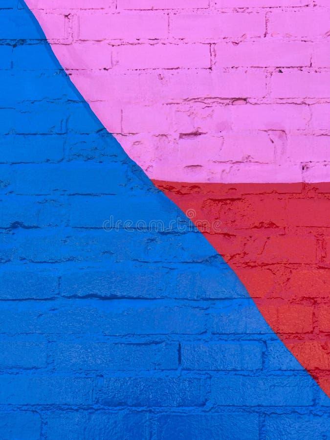 Πρόσφατα χρωματισμένος πολυ χρωματισμένος τουβλότοιχος στοκ φωτογραφίες με δικαίωμα ελεύθερης χρήσης