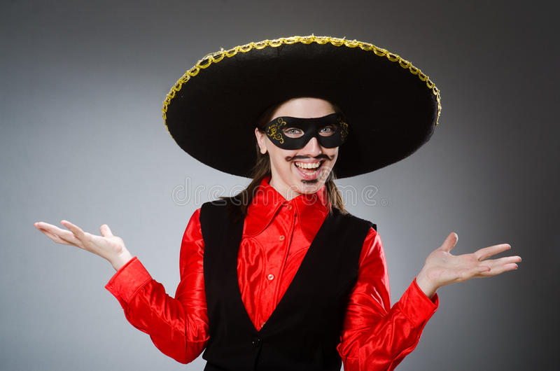Download Πρόσωπο που φορά το καπέλο σομπρέρο στην αστεία έννοια Στοκ Εικόνες - εικόνα από καπέλο, μεξικάνικα: 62708882
