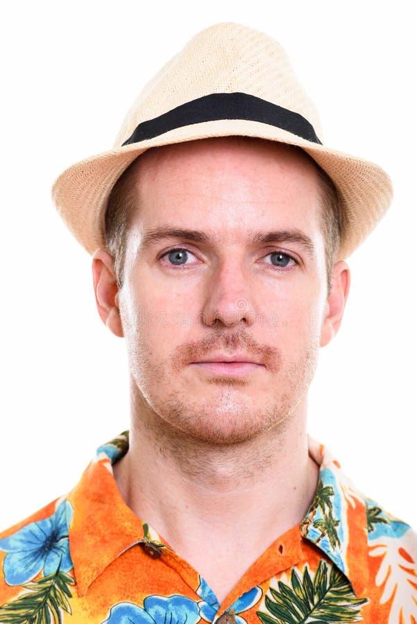 Πρόσωπο του ατόμου που φορά το της Χαβάης πουκάμισο και του καπέλου έτοιμου για τις διακοπές στοκ εικόνες με δικαίωμα ελεύθερης χρήσης