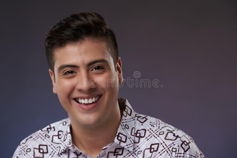 Πρόσωπο του νέου τύπου χαμόγελου στοκ φωτογραφίες με δικαίωμα ελεύθερης χρήσης