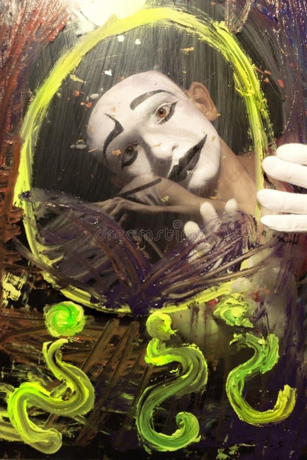 Πρόσωπο Mime πίσω από το γυαλί στοκ φωτογραφίες με δικαίωμα ελεύθερης χρήσης