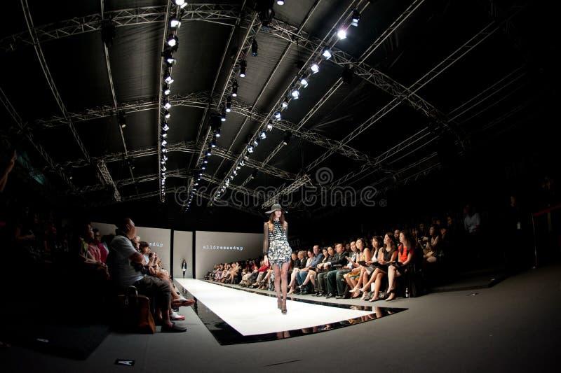 Πρότυπα σχέδια επίδειξης από Alldressedup στο φεστιβάλ 2012 μόδας Audi στοκ εικόνα με δικαίωμα ελεύθερης χρήσης