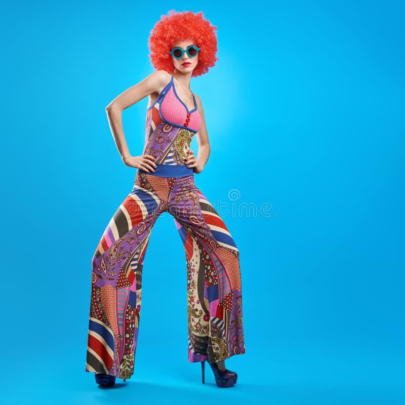 Πρότυπη γυναίκα μόδας, ζωηρόχρωμη εξάρτηση Glamor, Makeup στοκ φωτογραφία με δικαίωμα ελεύθερης χρήσης