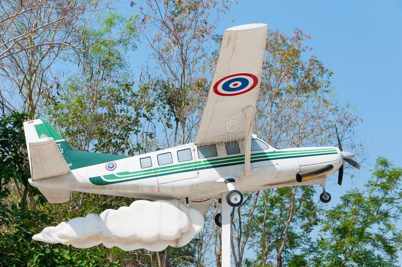Πρότυπο αεροπλάνων με το σύννεφο στο πάρκο: Chiangmai Ταϊλάνδη στοκ φωτογραφία με δικαίωμα ελεύθερης χρήσης