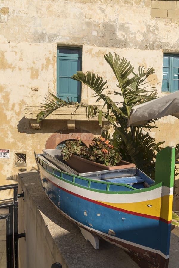 Πρότυπο ενός παραδοσιακού αλιευτικού σκάφους μέσα στην ακρόπολη Βικτώριας Gozo Μάλτα στοκ φωτογραφίες