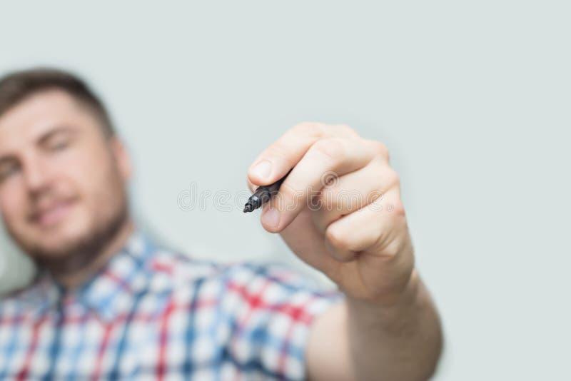 Πρότυπο - ο επιχειρηματίας σύρει ή γράφει το α με το δείκτη στον τοίχο ή την οθόνη γυαλιού στοκ φωτογραφίες με δικαίωμα ελεύθερης χρήσης