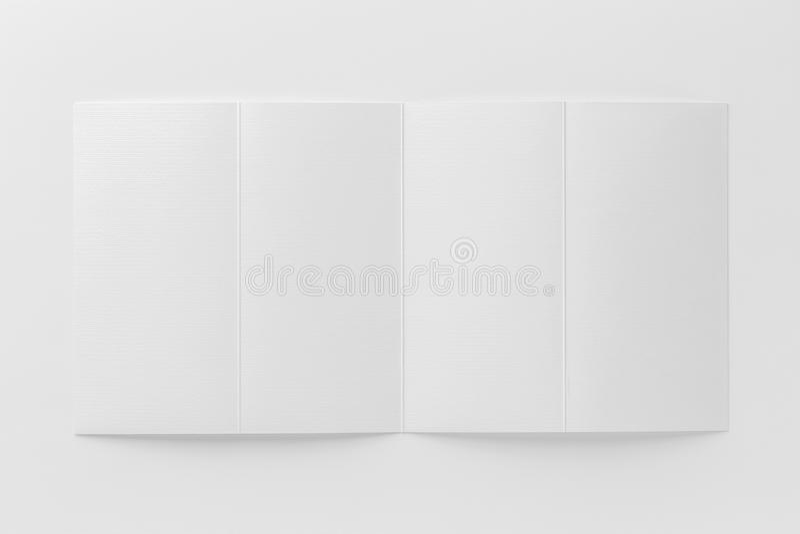 Πρότυπο του ανοιγμένου φυλλάδιου στο άσπρο υπόβαθρο ελεύθερη απεικόνιση δικαιώματος