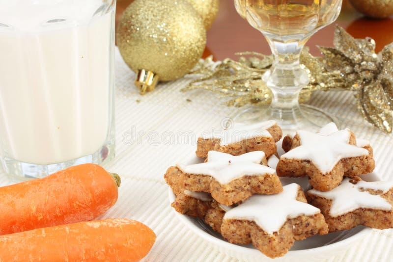 Πρόχειρα φαγητά για Άγιο Βασίλη και το Rudolf στοκ εικόνες