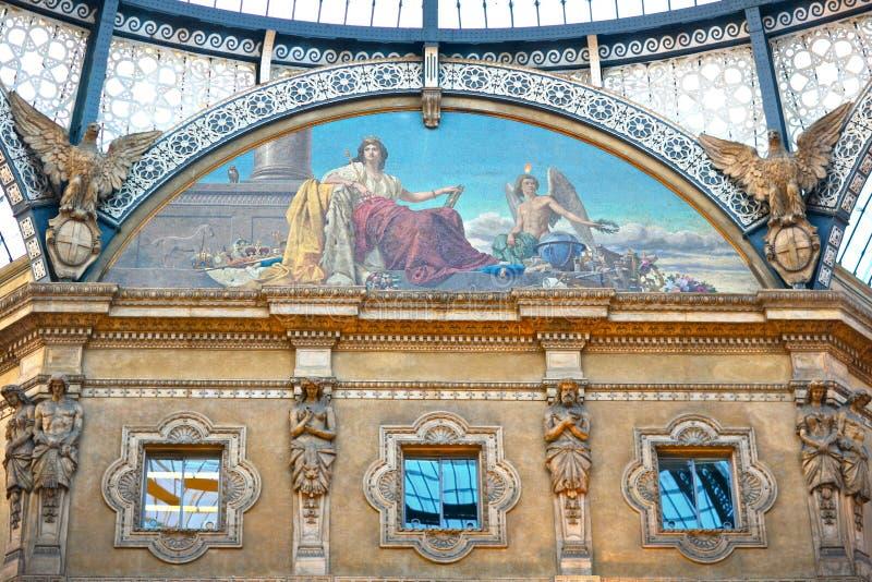 Πρώτη λεωφόρος αγορών, Galleria Vittorio Emanuele ΙΙ στοκ εικόνες