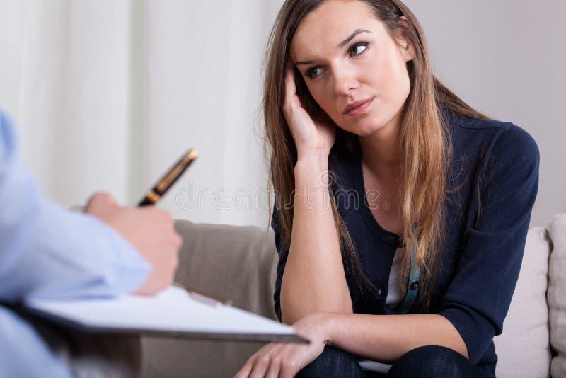Πρώτη συνεδρίαση με τον ψυχοθεραπευτή στοκ εικόνες
