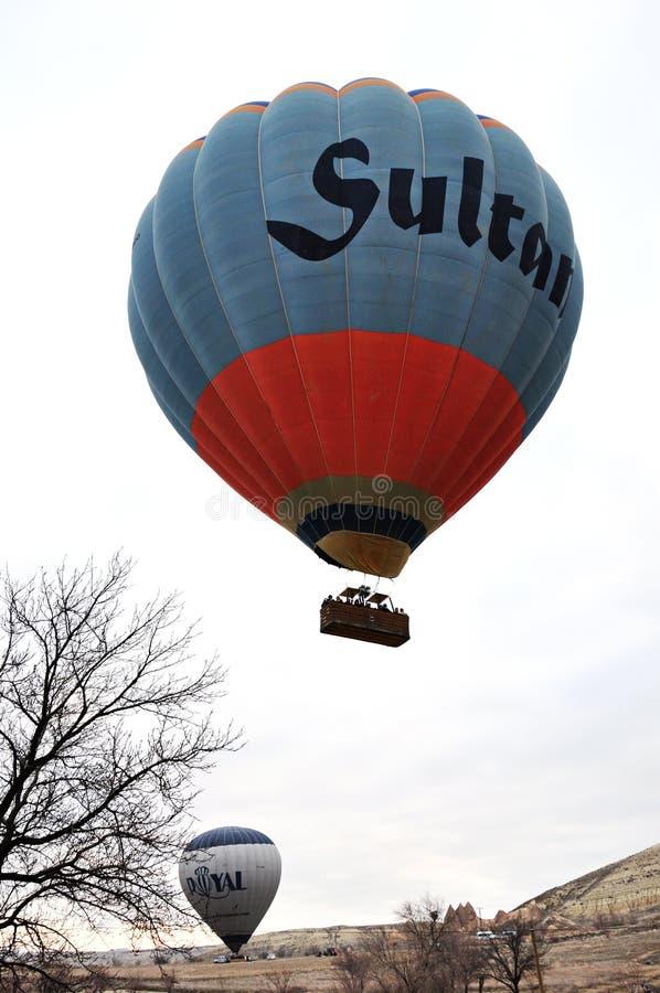 Πτήση μπαλονιών αέρα Cappadocia σε Cappadocia, Τουρκία στοκ εικόνες με δικαίωμα ελεύθερης χρήσης