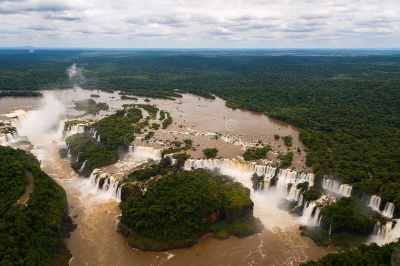 Πτώσεις Iguazu ή πτώσεις Iguassu στη Βραζιλία. Άποψη από το αεροπλάνο στοκ εικόνα με δικαίωμα ελεύθερης χρήσης