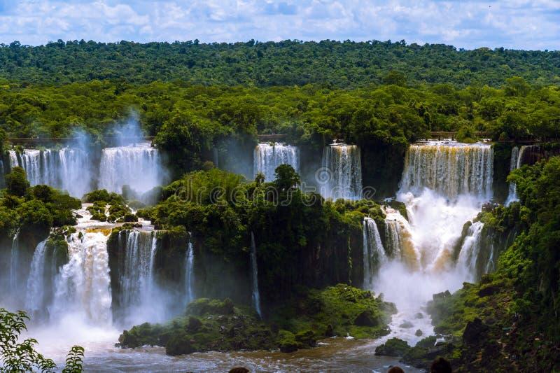 Πτώσεις Iguazu ή πτώσεις Iguassu στη Βραζιλία. Καταρράκτης των καταρρακτών ι στοκ φωτογραφία
