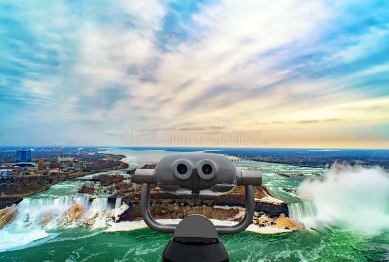 Πτώσεις Niagara μεταξύ των Ηνωμένων Πολιτειών της Αμερικής και του Καναδά στοκ φωτογραφία
