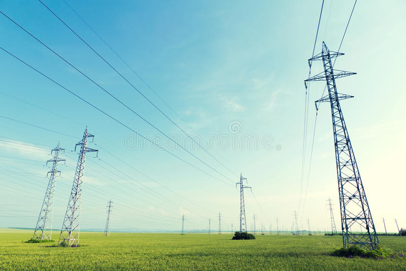 πυλώνες ηλεκτρικής ενέργειας στοκ φωτογραφίες
