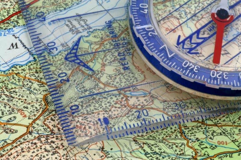 Πυξίδα και χάρτης στοκ εικόνα