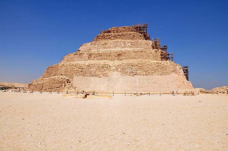 Πυραμίδα βημάτων σε Saqqara, αρχαία Αίγυπτος στοκ εικόνα