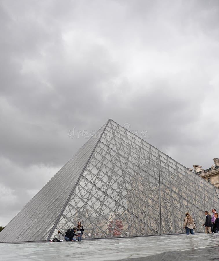 πυραμίδα του Παρισιού μο&u στοκ φωτογραφία