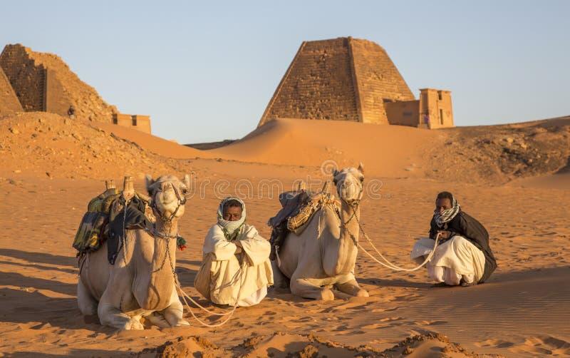 Πυραμίδες Meroe σε μια έρημο στο μακρινό Σουδάν στοκ φωτογραφία