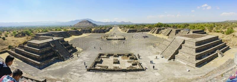Πυραμίδα του ήλιου και της λεωφόρου των νεκρών στοκ φωτογραφία με δικαίωμα ελεύθερης χρήσης