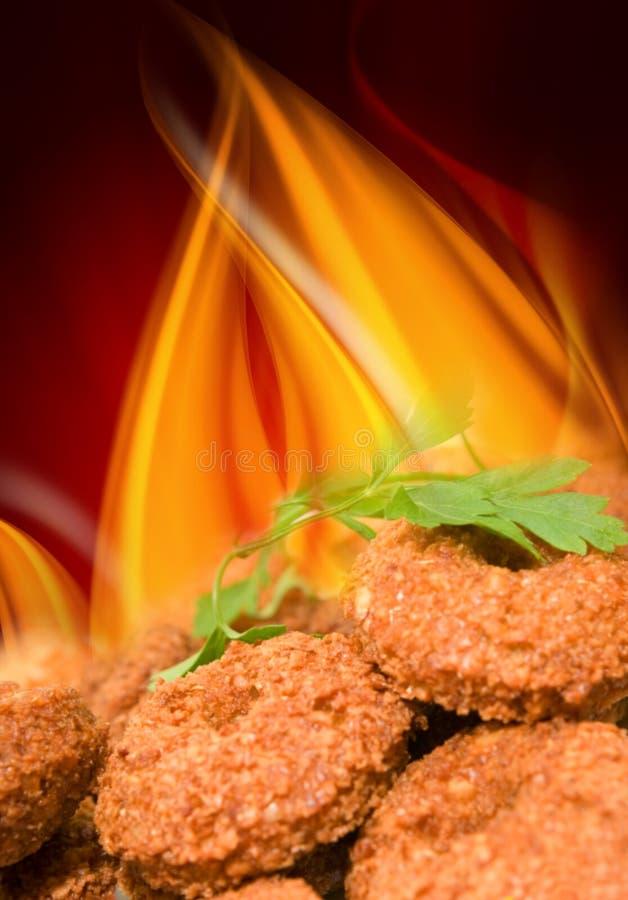 πυρκαγιά ανασκόπησης falafels στοκ φωτογραφία