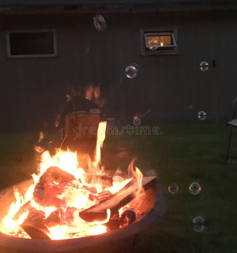 Πυρκαγιά και φυσαλίδες στοκ εικόνες