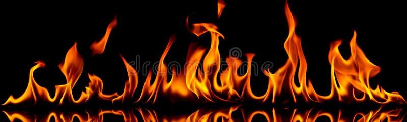 Πυρκαγιά και φλόγες. στοκ εικόνες