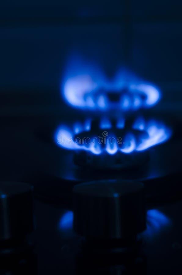 Πυρκαγιά στον καυστήρα σομπών αερίου στοκ εικόνες με δικαίωμα ελεύθερης χρήσης