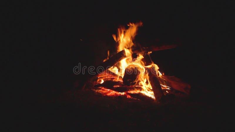 Πυρκαγιά στρατόπεδων απόθεμα βίντεο