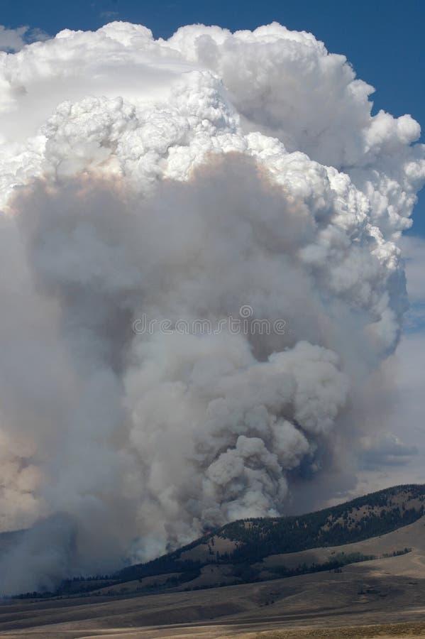 πυρκαγιά σύννεφων στοκ εικόνα με δικαίωμα ελεύθερης χρήσης