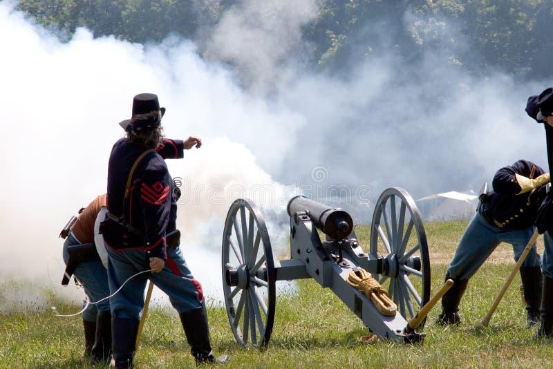 πυρκαγιά 4 πυροβόλων στοκ φωτογραφίες